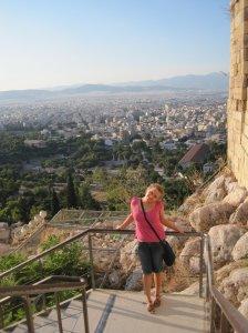 23-vuotiaana Ateenassa hostellityöntekijänä. Kaverin ottama kuva.